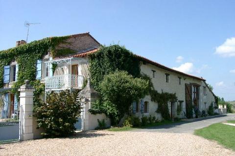 18 bedroom house - Nouvelle-Aquitaine, Charente, France