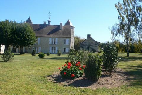 6 bedroom castle - Nouvelle-Aquitaine, Vienne, Aquitaine, France