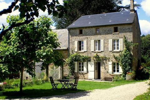 11 bedroom flat - Nouvelle-Aquitaine, Creuse, Aquitaine, France