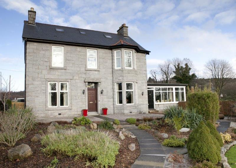 6 Bedrooms Detached House for sale in Burnside House, John Street, Dalbeattie, DG5