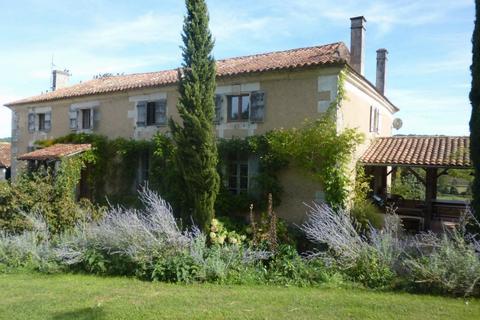 Farm - Nouvelle-Aquitaine, Charente, France
