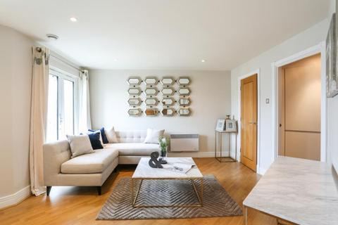 1 bedroom flat - Tollard House, Kensington, W14