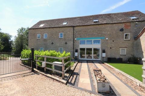 2 bedroom maisonette to rent - Chapel Farm Barns, Ashton