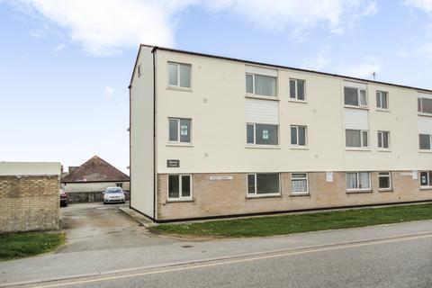 2 bedroom ground floor flat to rent - Marine Court, Perranporth
