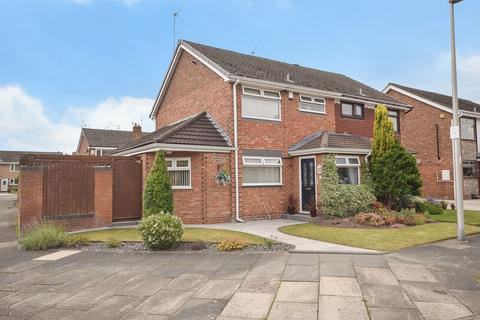 3 bedroom semi-detached house for sale - Minton Way, Farnworth