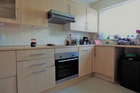 2 bedroom terraced house to rent - Gilderdale, Luton, LU4 9NB