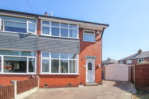 3 bedroom semi-detached house to rent - Broadway Close, Davyhulme, Manchester, M41