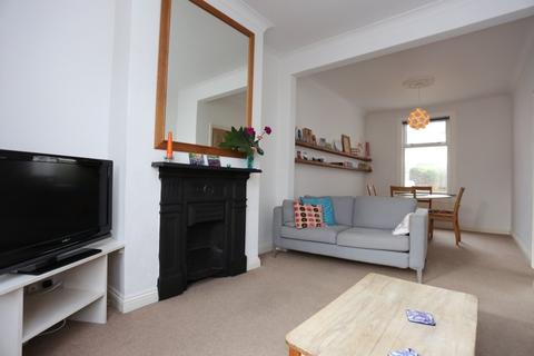 3 bedroom terraced house to rent - Cowper Street, Hove