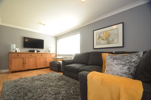 3 bedroom semi-detached house for sale - Ferrier Close, Parkwood, Rainham , ME8