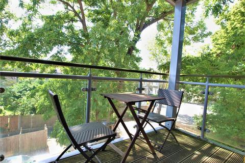2 bedroom flat for sale - Blyth Road, Bromley, BR1
