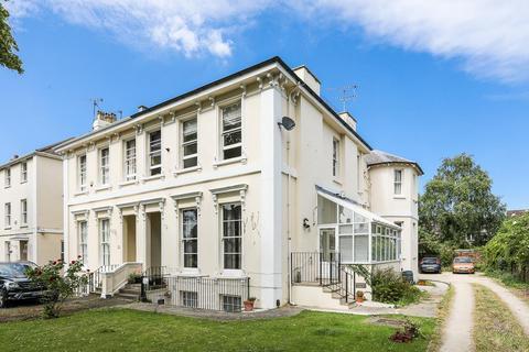 2 bedroom apartment for sale - Sydenham Road North, Cheltenham