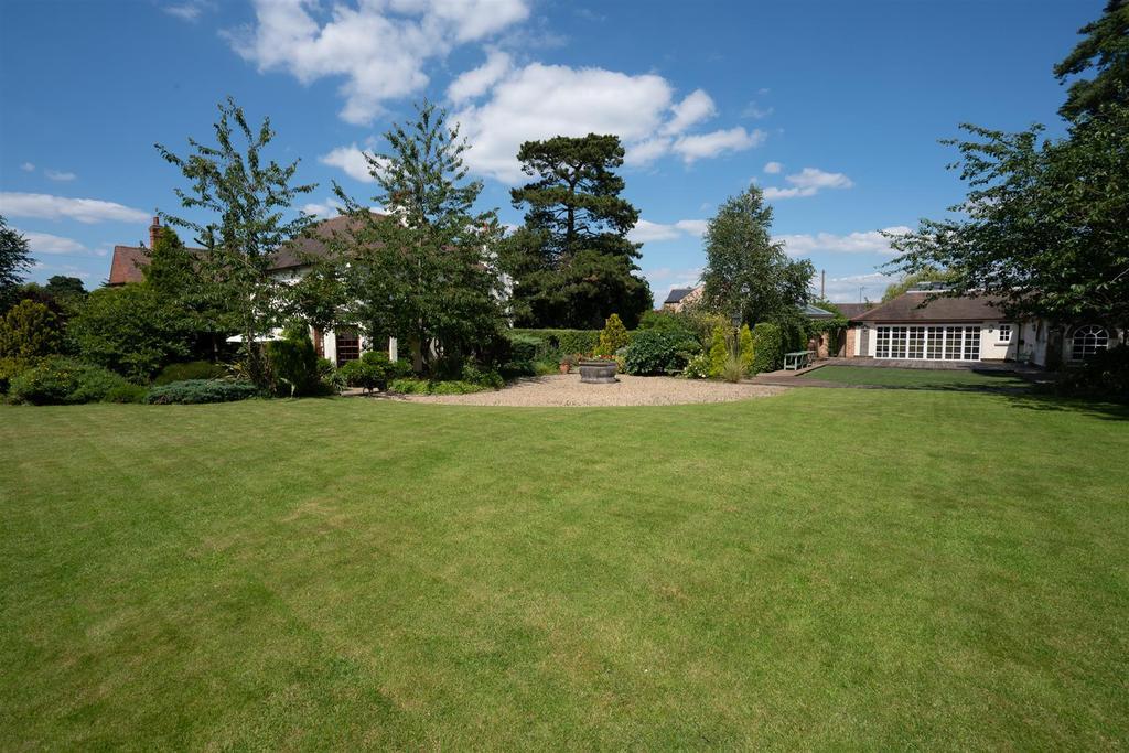 Normanton Grange 12.jpg