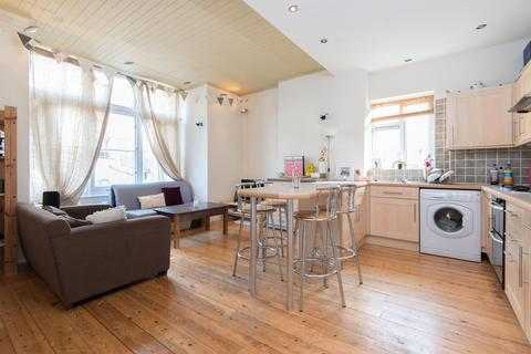 2 bedroom flat to rent - Knollys Road, Streatham, SW16