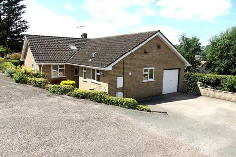 3 bedroom bungalow for sale - Wesley Court, Whitecroft, Lydney