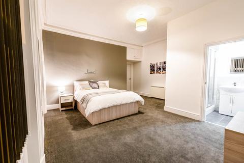 1 bedroom house share to rent - 23 Stockport Road, Ashton- Under - Lyne
