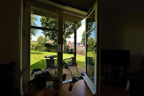 2 bedroom flat for sale - Anne Mcnamara House, Crookes