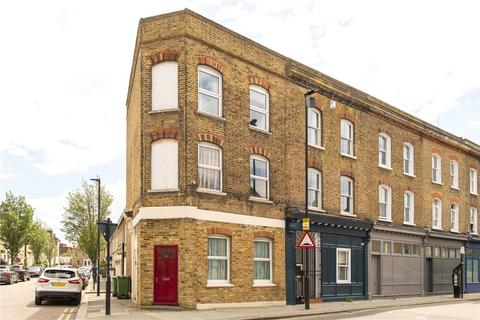 3 bedroom end of terrace house for sale - Shakespeare Road, London, SE24