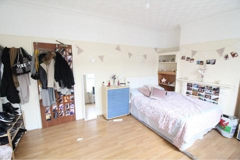 5 bedroom terraced house to rent - Mackintosh Place, Roath, Cardiff