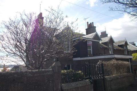 2 bedroom flat to rent - Hillcrest Road, West End, Dundee, DD2 1JJ