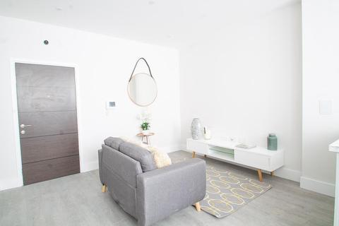 1 bedroom flat for sale - '33' Woodthorpe Road, Ashford, TW15