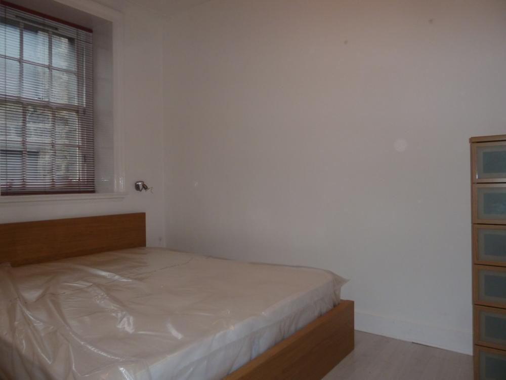 25d Crown Street − Bedroom