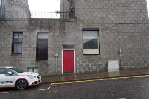 3 bedroom flat to rent - Orchard Street, Flat   Floor, AB24