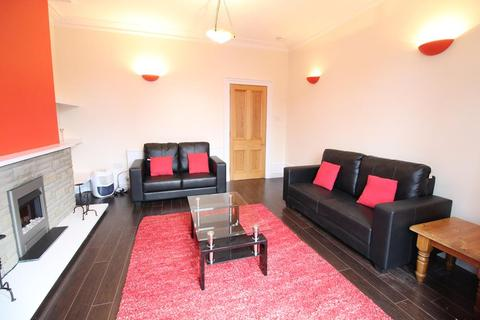 2 bedroom flat to rent - Union Grove, Top Right, AB10
