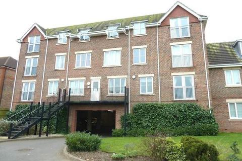 2 bedroom ground floor maisonette to rent - GAINSBOROUGH COURT, KINGSTON ROAD, EWELL KT19