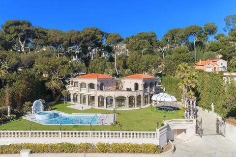 8 bedroom villa - Cap d'Antibes, 06160, France