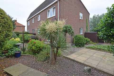 2 bedroom ground floor flat for sale - Orchard Court, King's Lynn