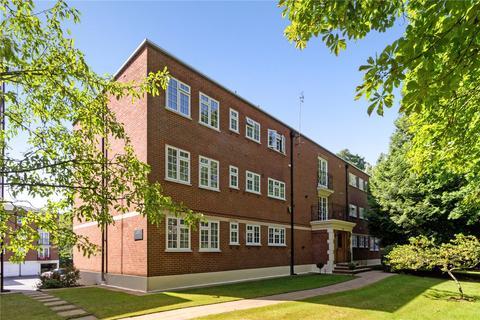 3 bedroom flat for sale - Regents Court, St. Georges Avenue, Weybridge, Surrey, KT13