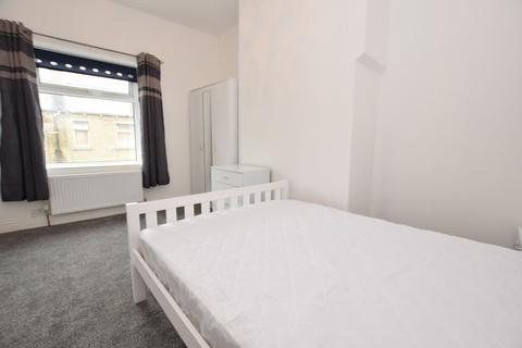 1 bedroom house share to rent - Great Northern Street, Huddersfield