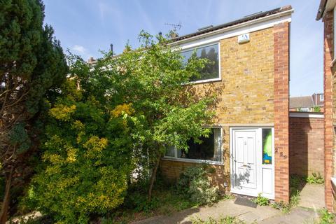 3 bedroom semi-detached house to rent - Campkin Road, Cambridge, Cambridgeshire