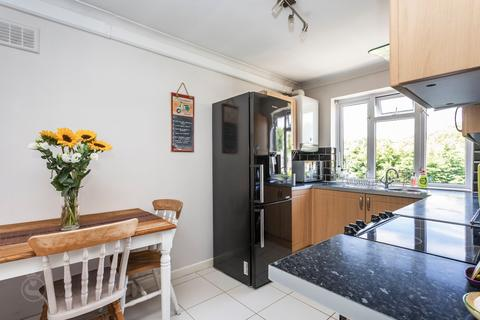 2 bedroom apartment for sale - Ashley Cross, Poole, BH14