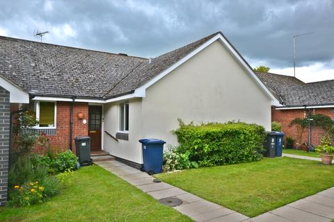 2 bedroom terraced house for sale - Dovehouse Close, Linton