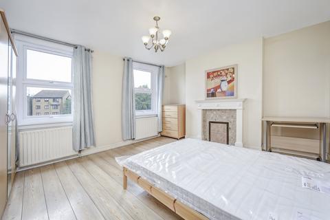3 bedroom flat to rent - Landor Road, Clapham