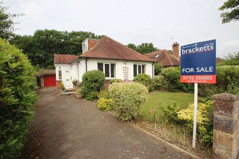2 bedroom detached bungalow for sale - Thorpe Avenue, Tonbridge