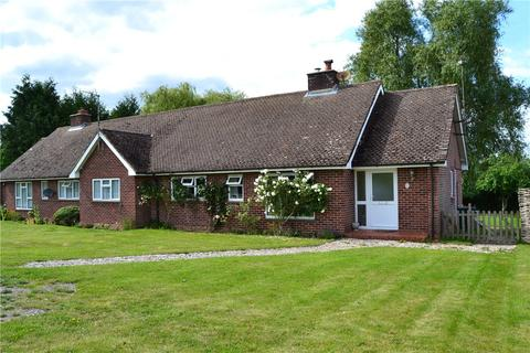2 bedroom semi-detached bungalow to rent - Shalford Hill, Aldermaston, Reading, RG7