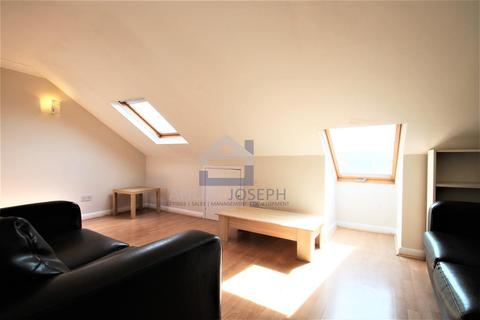 1 bedroom flat to rent - Tooting Bec Road, Tooting Bec, London, SW17 8BW