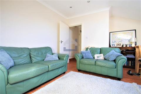2 bedroom flat to rent - Tooting Bec Road, Tooting Bec, London, SW17 8BW
