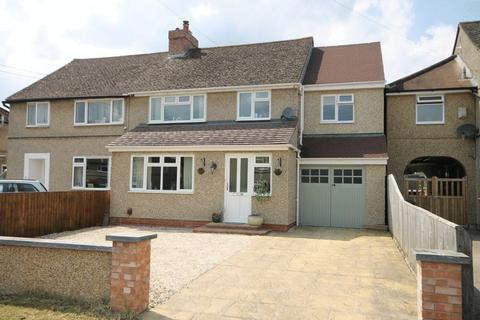 4 bedroom semi-detached house for sale - Marlborough Avenue KIDLINGTON