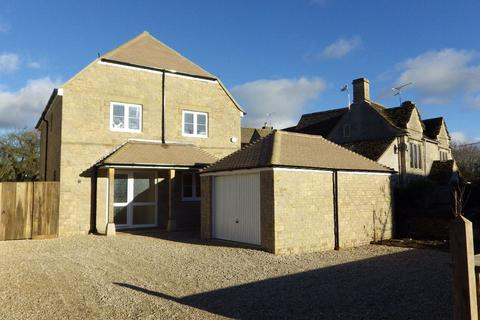 4 bedroom detached house to rent - Kent End