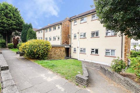 2 bedroom apartment for sale - Payzes Gardens, Woodford Green, Woodford Green