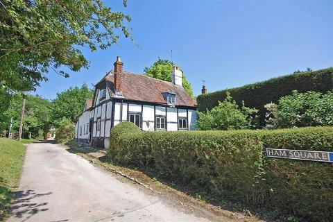 3 bedroom detached house for sale - Ham Square, Charlton Kings, Cheltenham, GL52
