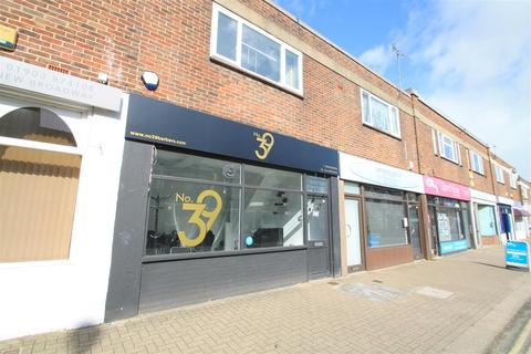 Property to rent - New Broadway, Worthing