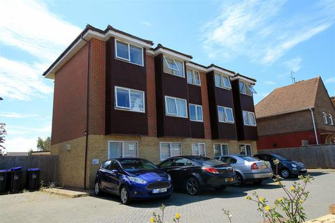 2 bedroom flat to rent - Tower Road, Lancing