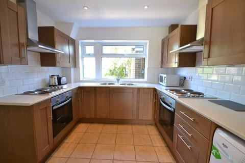 6 bedroom house to rent - Hazelwood Close, Cambridge