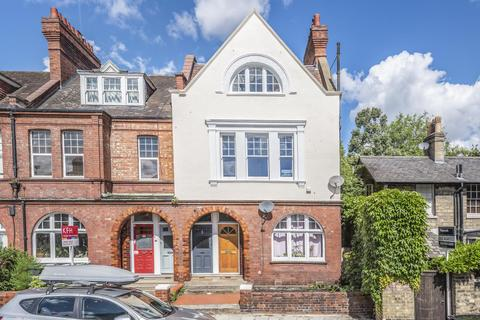 3 bedroom flat for sale - Hillside Road, Streatham