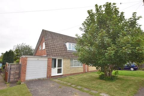 3 bedroom semi-detached house for sale - Swanswell Drive, CHELTENHAM, Gloucestershire, GL51 6LR