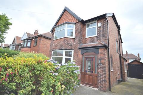 3 bedroom detached house to rent - Debenham Road, Stretford, Manchester